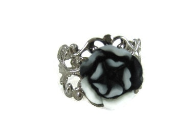 Black  Rose Ring Adjustable Ring Gunmetal Filigree  Statement Ring Resin Rose Black and White  Flower Ring  Cosplay Jewelry Gifts For Her