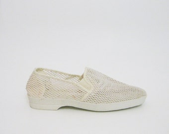 Minimalist White Canvas Flats 9 10