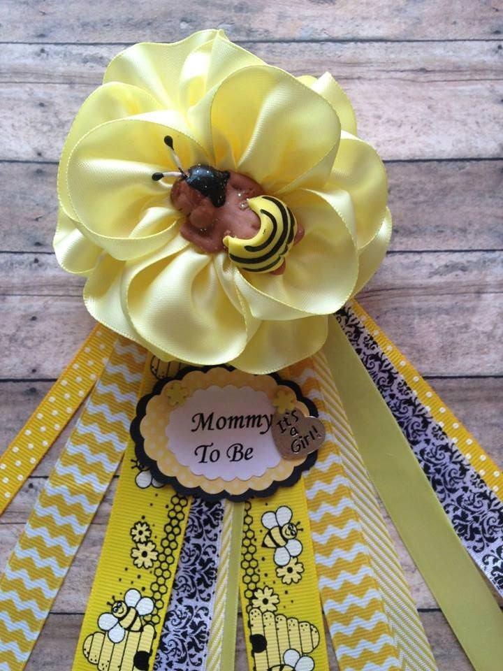 mommy to bee corsage bee theme dad to be corsage baby shower