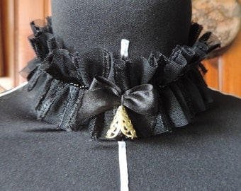 Black tulle necklace