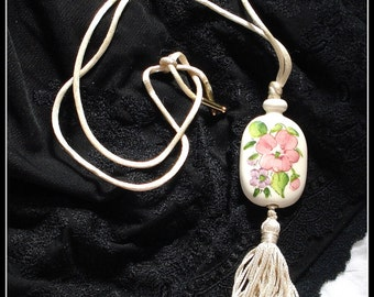 S A L E! AVON HAND PAINTED In Brazil Necklace 1977