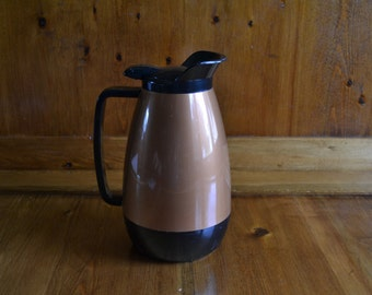 Classic Diner Gold & Black Insulated Carafe