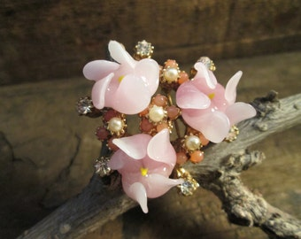 rare petite vintage gold tone pink glass, beads and clear rhinestone brooch