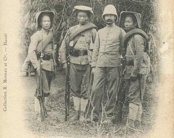 Antique Postcard - Tonkin - Groupe de Tirailleurs Tonkinois