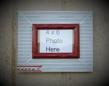 Distressed Picture Frame 4x6 Frames Photo Holder Decor Rustic Salvaged Wood Picture Frames Upcycled Shabby Frames Farmhouse Wall Decor Red