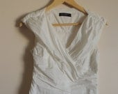 RINASCIMENTO White creped sleeveless blouse/ vest with side zipper, size M, Made in Italy