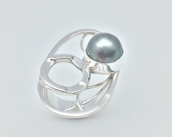 Tahitian Pearl Ring // 925 Sterling Silver //Hammered Abstract Oval Setting // Genuine Tahitian Pearl // Size 6