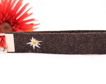 """Embroidered Keychain """"Edelweiss"""" from brown-mottled wool felt"""