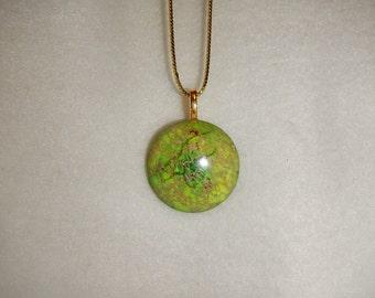 Round Green Sea Sediment Jasper pendant necklace (JO167)