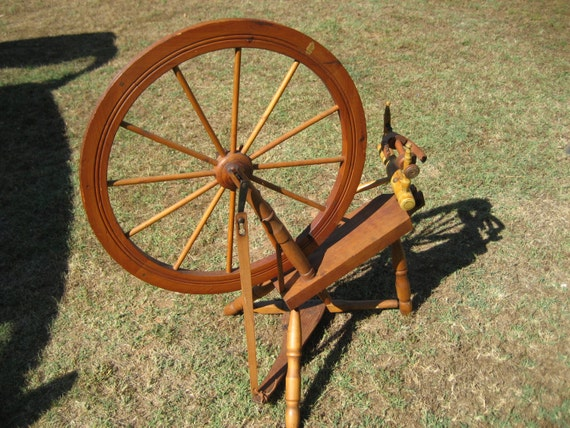 Shabby Chic Furniture Spinning Wheel Antique Great Decor Real