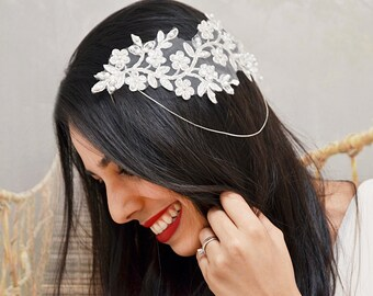 Vintage inspired bridal lace headpiece - Wedding Hairpiece - Bridal Headpiece