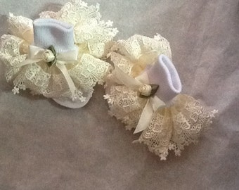Girls cream organza and cream lace ruffle socks