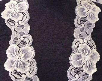 Leiela White Stretch Floral Lace Trim