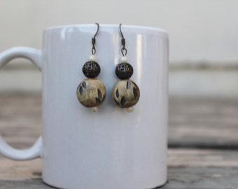 Vintage style wooden earrings