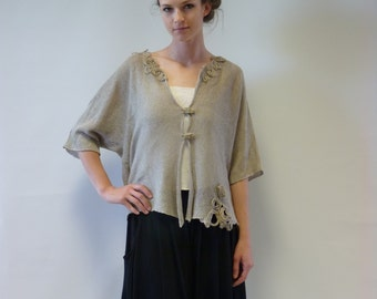 Sale, new price 55 Eur, original price 70 Eur. Art deco natural short cardigan, M/L size, 100% linen. Very artsy and feminine.