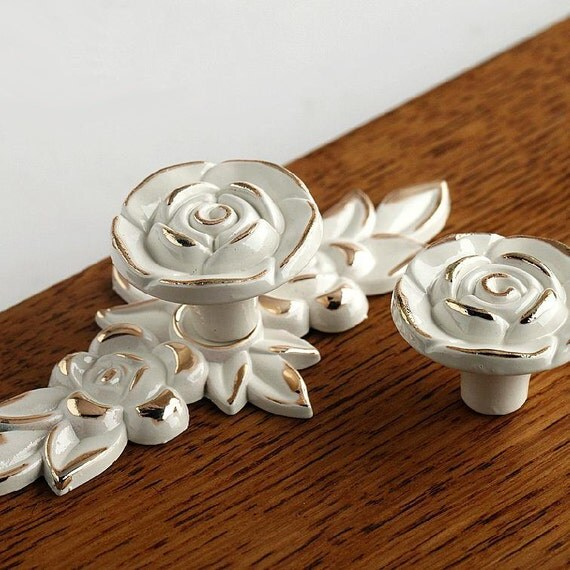 Shabby Chic Dresser Drawer Knobs Pulls Handles By