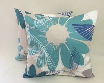 2 - 16x16 Pillow Cover Set with Envelope Closure in Floral Print