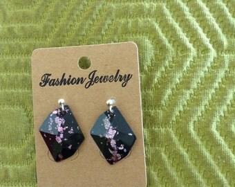 Black & lilac 'diamond' shaped stud earrings.