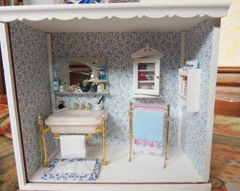 Roombox with shared bathroom scale 1:12
