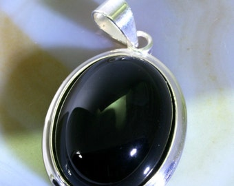 Onyx  in 925 sterling silver pendant  -- 6049