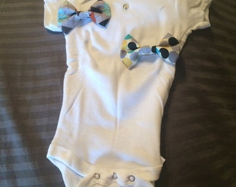 Onsie with interchangeable bow ties