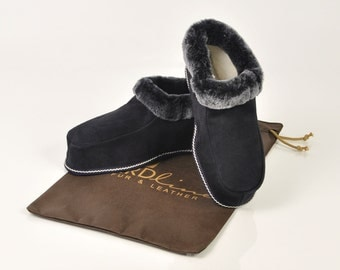 MRDline 4810019 Handmade Ankle Boots Slippers for Men. Sheepskin slippers. Soft suede leather. Sheepskin. Merinos wool.