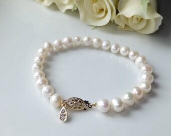 Bracelet white freshwater pearls, Swarovski crystal charm, wedding, birthday gift