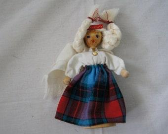 Vintage 1960's - Latvian Soviet Era Wooden 5 Inch dailrade rc Doll in Traditional Baltic Folk Dress