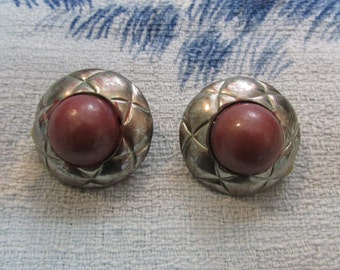 1960s modernist etched silver-tone & deep blush pink central bead clip-on earrings