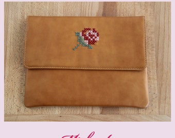 Leather clutch,clutch with embroidery,camel clutch,embroidery purse,embroidery clutch,colorful purse,leather bag,camel leather bag,camel bag