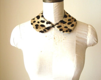 Vintage 1940s Peter pan spotted fur collar