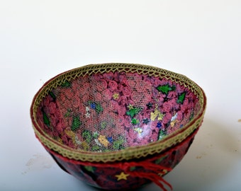 Handmade bowl in red and gold