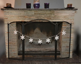 Crocheted Christmas Garland of 7 Snowflakes, Chrismas ornament, White Christmas Star, Christmas home decors, Wedding appliques