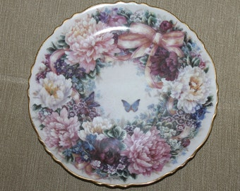 "Vintage Numbered First Issue ""Circle of Love"" 1994 Collectors Plate, Bradford Exchange, Floral Greetings from Lena Liu Collection, Limited"