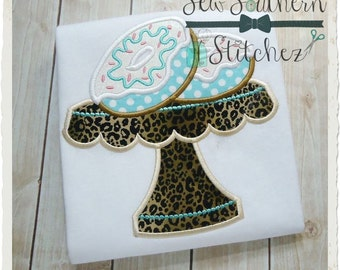 Instant Download Doughnut Stack on Plate Applique Design - Yummy Doughnuts with Sprinkles and Icing