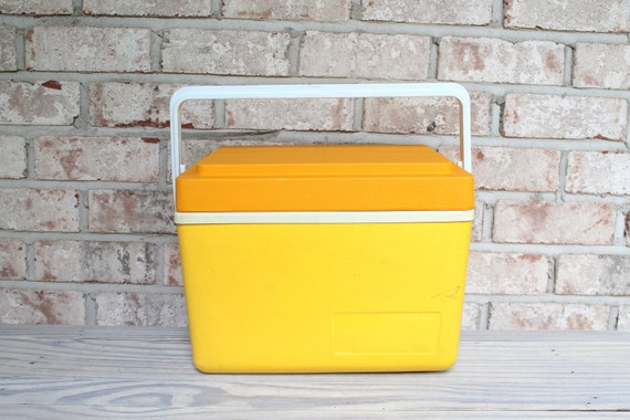 vintage yellow sunpacker thermos cooler lunch box with orange. Black Bedroom Furniture Sets. Home Design Ideas