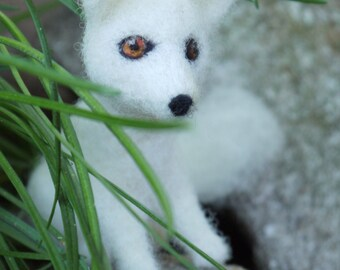 White polar fox, needle felted animal, needle felted fox, woodland animal, wildlife animal, seasonal table, home decor, nursery decor fox