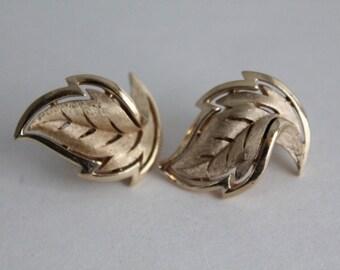 Gold Leaf Earrings by Trifari Earrings, Leaf Clip Ons Gold Leaves Jagged Leaf Earrings