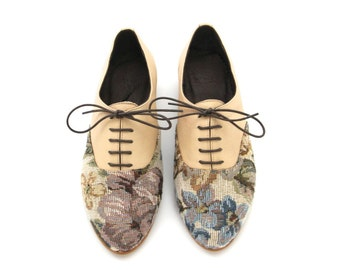 Oxford shoes. Hand made women's shoes. Cream and floral print Flat shoes. VEGAN or leather versions // FREE SHIPPING