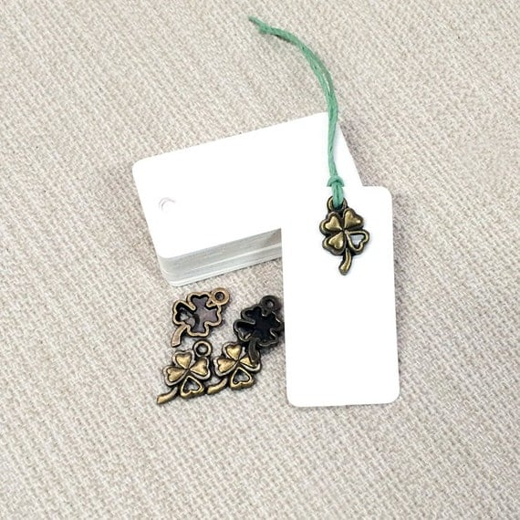 Wedding Favor Charms Tags : 25 Clover Luck Charms & White Tags ~ Wedding Favor Tags ~ Gift Tags ...