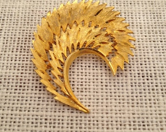 Vintage Mamselle Golden Feather Brooch