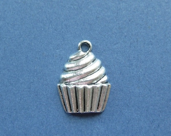 10 Cupcake Charms - Cupcake Pendants - Food Charm - Cupcake - Cup Cake - Antique Silver - 20mm x 15mm -- (No.30-10533)