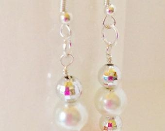 Coral & White Pearl Earrings Peach Bridesmaid Earrings Jewelry Set Peach Pearl Droplet Earrings Wedding Jewelry Wedding Set Beaded Jewelry