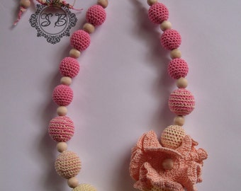 Nursing Necklace with the Flower, Nursing Teething Necklace, Crochet flower, New Mom Gift, Baby Toy, Crochet Beads