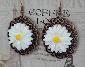 Marguerite Earrings