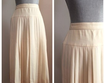 Eleanor Skirt | vintage 1970s pleated cream midi skirt