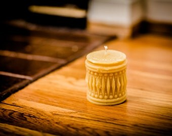 100% Beeswax Geometric Cylinder Candle