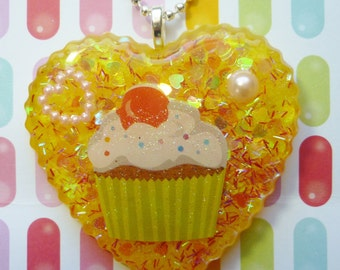 Cupcake Pendant, Cupcake Heart Necklace, Cupcake Necklace, Resin Cupcake Pendant, Resin Cupcake Necklace, Resin Food Jewelry