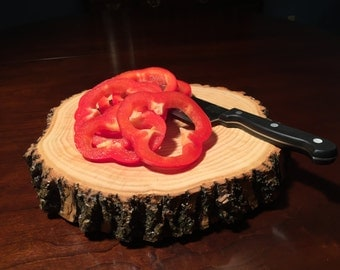 Natural Tree Wood Round Cutting Board & Serving Tray with Bark