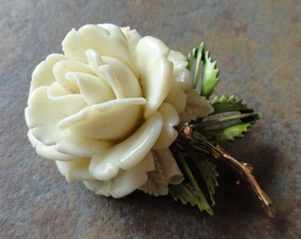Beautiful vintage 1950s signed Pell white rose brooch
